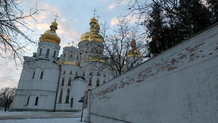 Адептов Русского мира будет всё меньше: в украинской лжецеркви мечтают заполучить Лавры