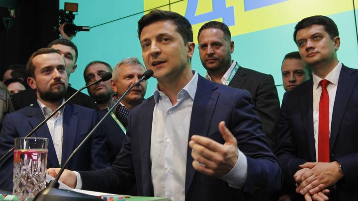 Намеренное желание насолить России: Эксперт - о предполагаемой дате инаугурации Зеленского