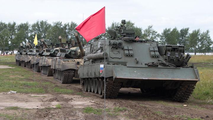 Рекорд - 315 тонн: В Омске устроили показательное перетягивание танков