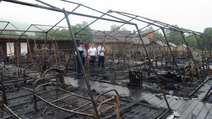 Детей пожгли, но это не в нашей компетенции? Губернатор Хабаровского края не смог найти ответственных за сгоревший лагерь