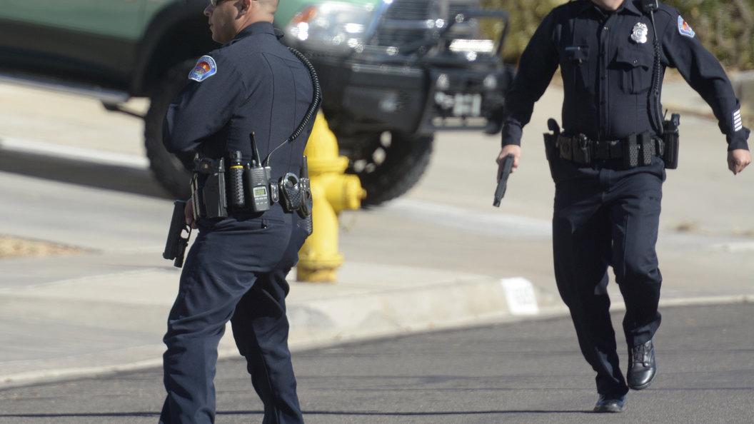 Грабитель оружейного магазина устроил перестрелку в США