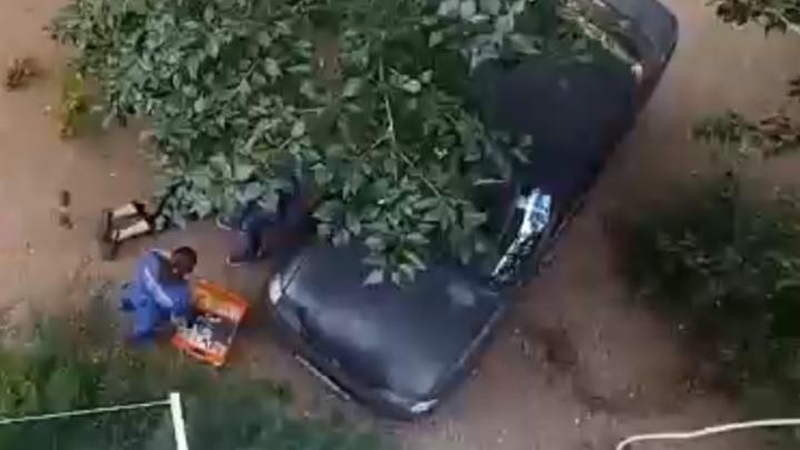 Мужчина выпал из окна жилого дома в Каштаке