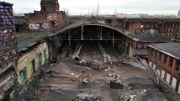 Старинный  завод в Санкт-Петербурге под угрозой: в «Красном треугольнике» рухнула крыша