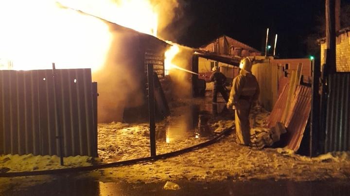 Сразу два дома сгорели ночью в Городищах Петушинского района