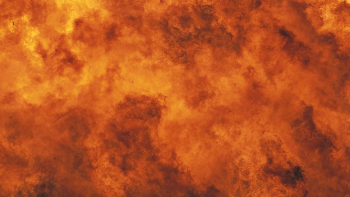 Уничтожены десятки танкеров: Первые кадры последствий удара по протурецким боевикам