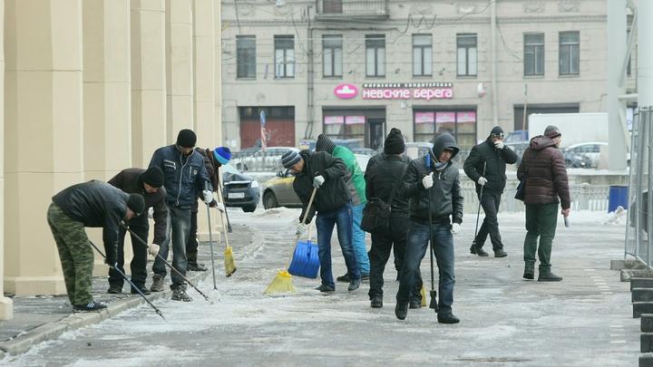 Снижение более чем в 3 раза: Украина лишилась первого места по притоку мигрантов в Россию