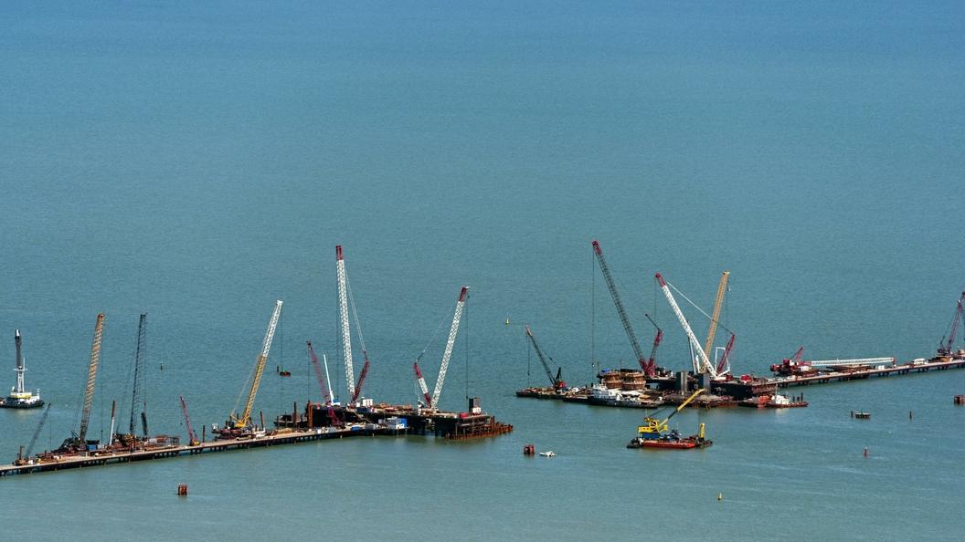 В Керченском проливе на день раньше возобновили судоходство