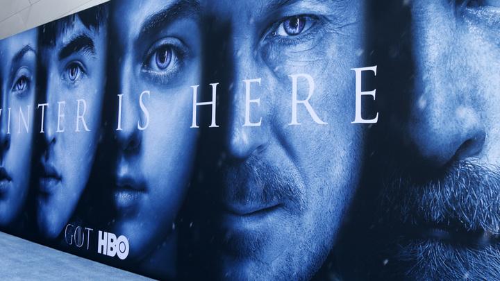 В соцсетях нарастает флешмоб в честь старта нового сезона Игры престолов