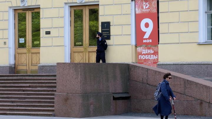Кувалдой взломали дверь: ФСБ задержала больше 20 террористов сразу в трёх регионах