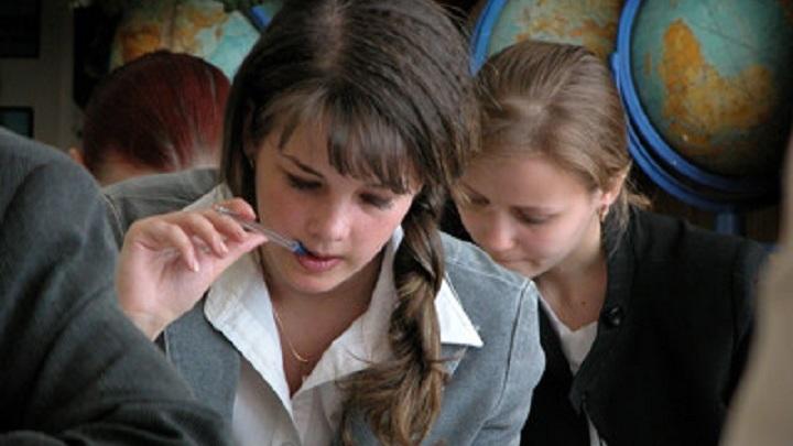 55 школьников НСО сдали ЕГЭ по русскому языку на 100 баллов. Где узнать результаты