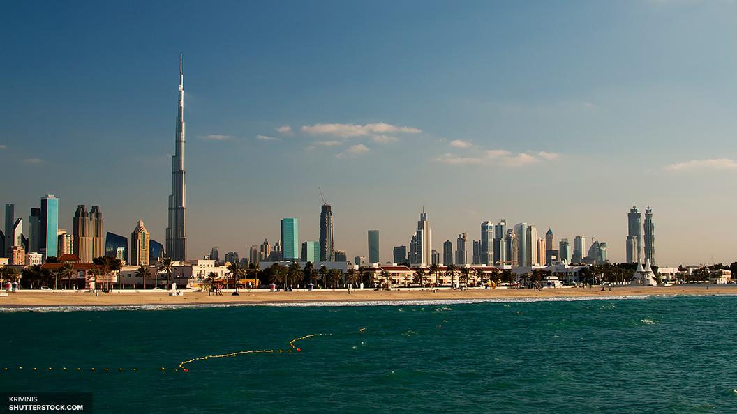 В Дубае на работу заступил первый робокоп