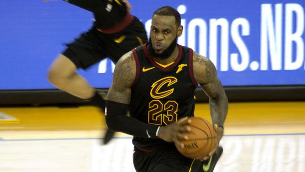 В 33 года Леброн Джеймс нашел для себя третий клуб НБА