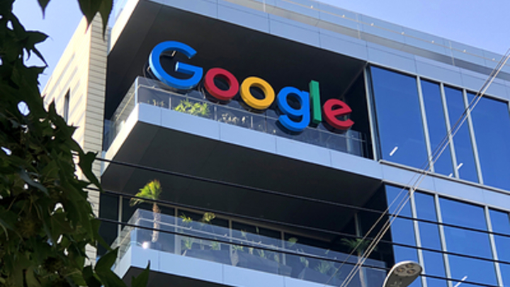 Google, YouTube и Facebook предложили российскую прописку: Пусть налоги платят