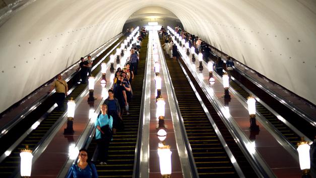 Московское метро до 3 часов ночи будет развозить ликующих англичан и страдающих хорватов - или наоборот
