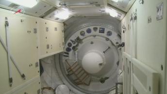 Космический корабль Союз успешно состыковался с МКС