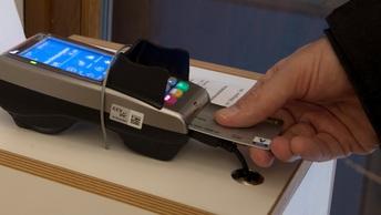Депутаты помогут держателям банковских карт разобраться с овердрафтом