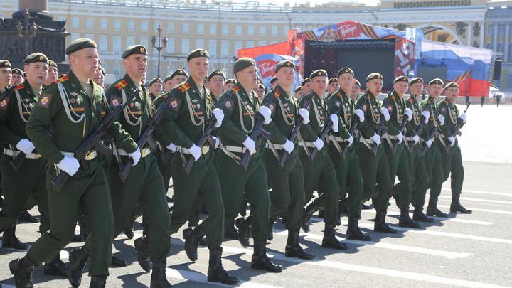 Каждый грамм на вес: Российские солдаты перестанут греметь алюминиевой посудой