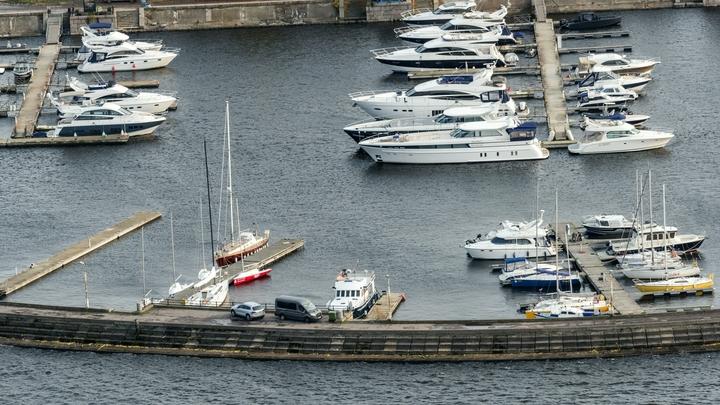 Яхт-клуб на Петровской косе купили за 650 миллионов: элитное место превратят в новый комплекс