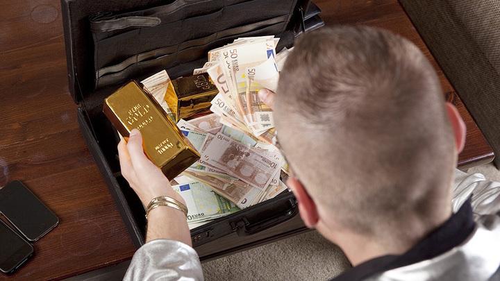Волшебный чемоданчик с деньгами и валидол. До конца ЧР по футболу всего два тура