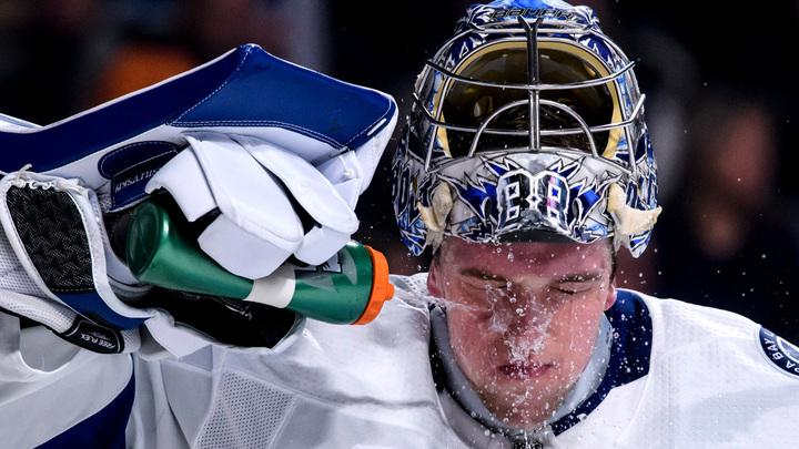 Василевский признан первой звездой игрового дня в НХЛ, а Кучеров – третьей