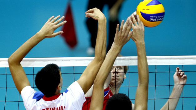 Русские волейболисты проиграли команде Сербии