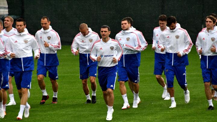 Сборная России объявила стартовый состав на матч с Турцией