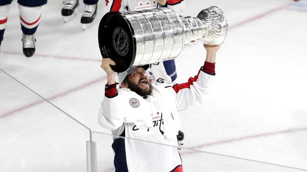 Овечкин – первый чемпион за 37 лет, ставший лучшим снайпером и регулярного чемпионата, и плей-офф НХЛ