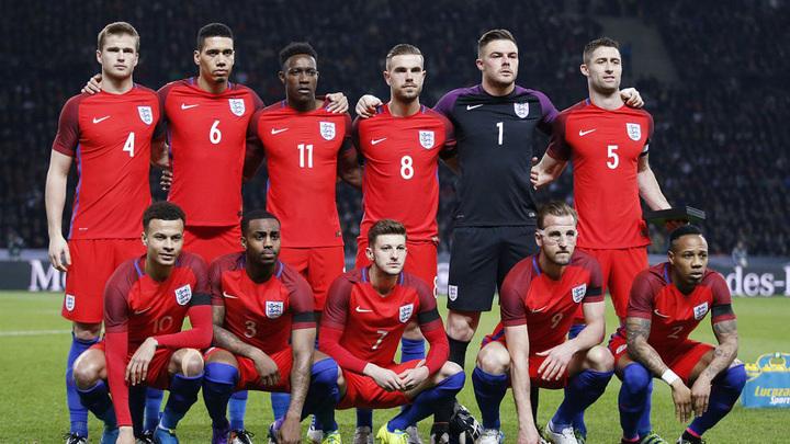 Сборная Англии прилетела в Россию на чемпионат мира