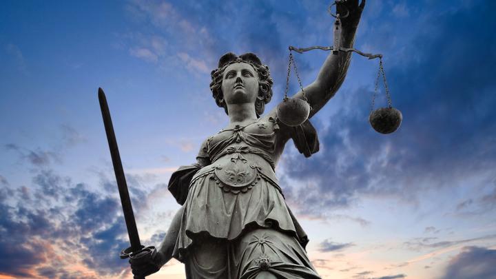 Мировая гибридная война: Теперь юридическая
