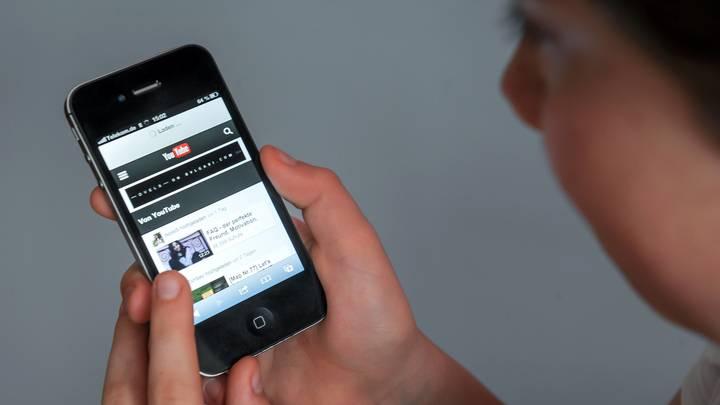 Не спешите выбрасывать гаджет: Топ-7 способов применения старого смартфона