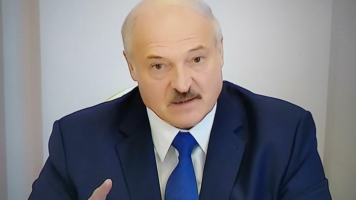 А с этими мы разберёмся: Лукашенко вступился за рабочих и призвал не прятать глаза в асфальт