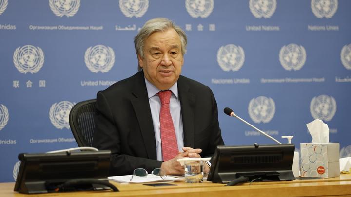 Вы закрыли уши и глаза: Генсека ООН пристыдили за поход в театр