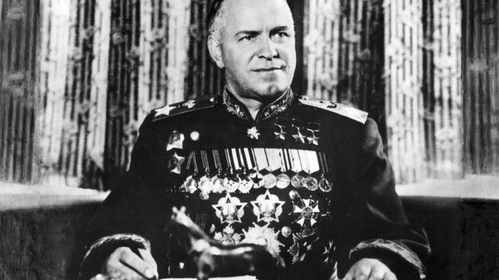 Украинцев, забывших о подвигах маршала Жукова, сравнили с дикарями