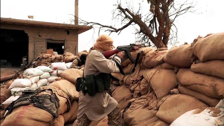 Сирийские боевики готовят фейковое кино про то, как русские расстреливают мирные города