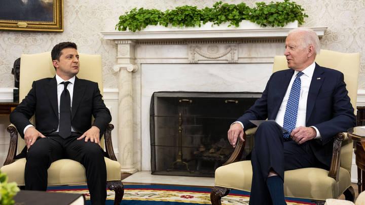 Зеленский озвучил мнение Байдена об Украине в НАТО: Нашлось одно но