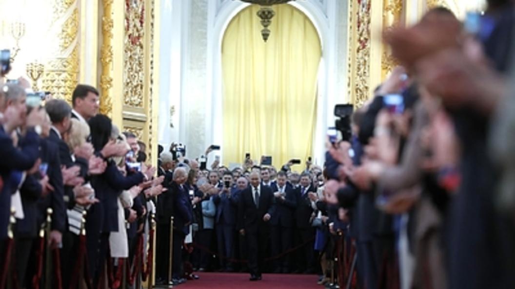ВКремле оценили идею о 3-х президентских сроках подряд