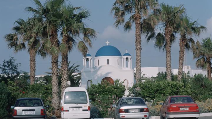 Во время землетрясения на Крите обрушился купол церкви, один человек погиб