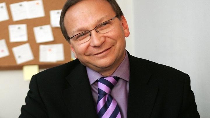 Миротворец замахнулся на Игоря Угольникова и еще троих актеров