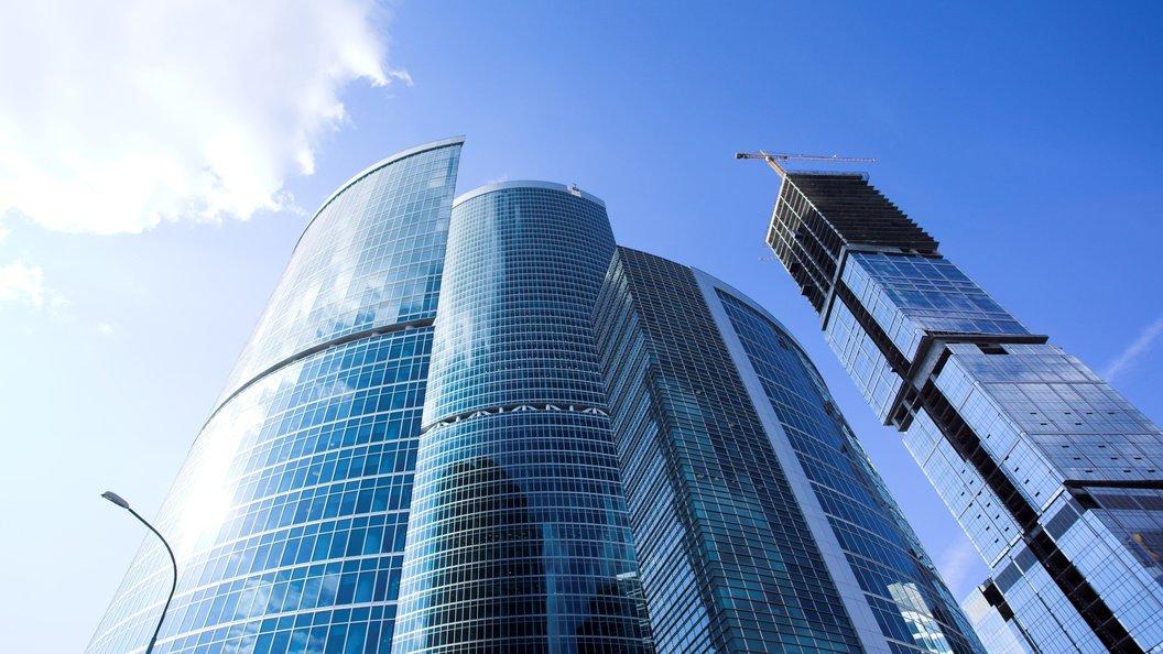 Медведев хочет «выселить» 4 министерства в строение «Москва-Сити»