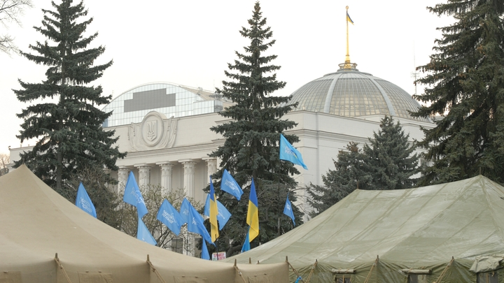 Большинство украинцев не могут заработать на поездки в ЕС по безвизу - опрос