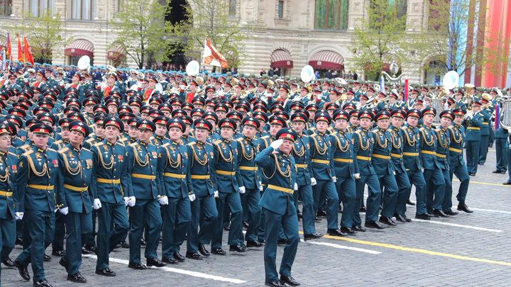 Уклонистам от армии на 10 лет запретили работать в госструктурах