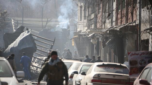Террористы атаковали дипломатов в столице Афганистана: Погибло уже около 100 человек