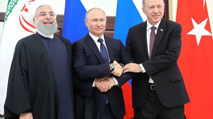 Встреча глав трех государств в Сочи поможет вернуть мир в Идлибе — эксперты