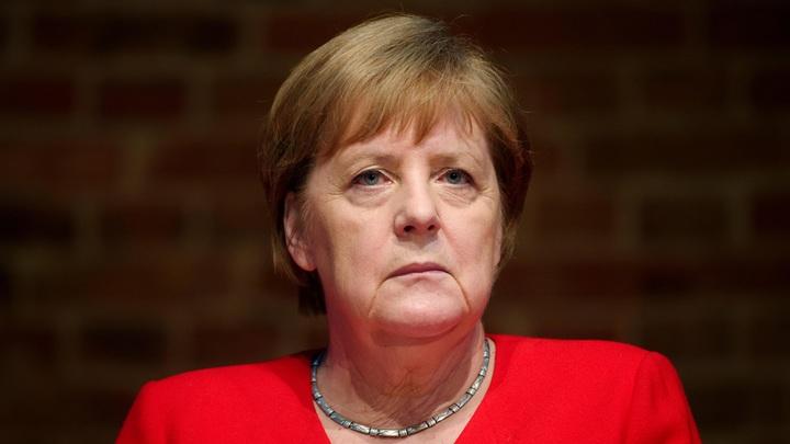 Глотать пилюли, правда, придётся пожизненно: Трясущейся Меркель подобрали неизлечимое заболевание