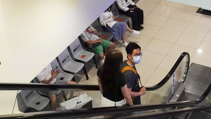 Власти Сингапура лишили паспорта нарушителя домашнего карантина