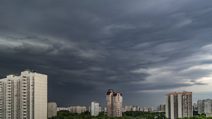 Синоптик рассказал, когда ждать атмосферного монстра в Москве