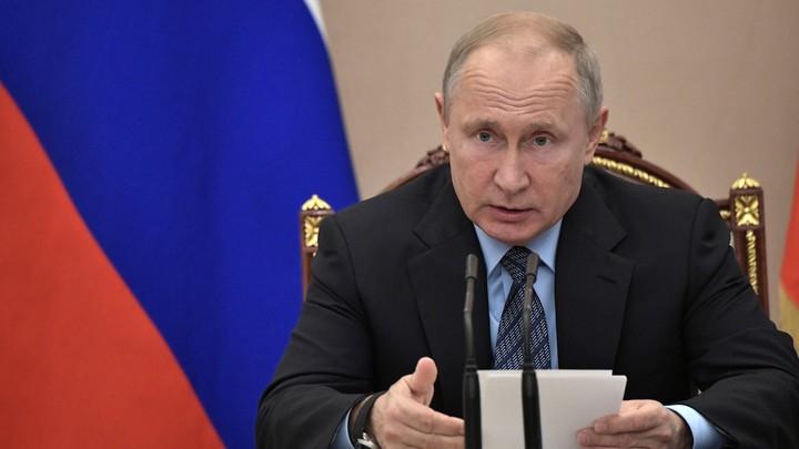Помогите, пожалуйста, девочке: Путин распорядился помочь студентке, которой стало плохо на встрече