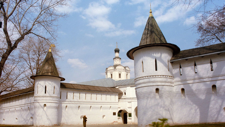 Память героев в Спасо-Андрониковом монастыре