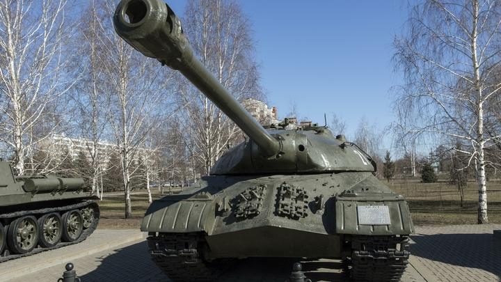«Не было в СССР, нет и у России»: Турчинов нашел в Киеве «грозное оружие»