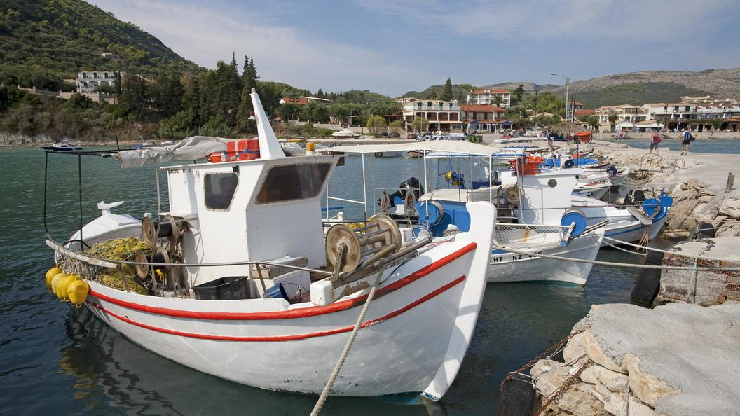 Греки обстреляли турецкий сухогруз в Эгейском море